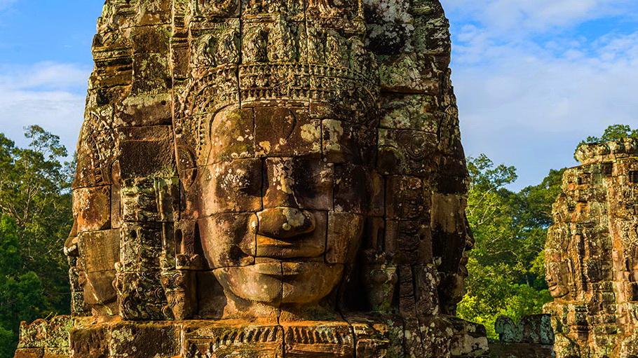 https://fotos.hellotrip.es/camboya/Camboya_Angkor_Bayon.jpg