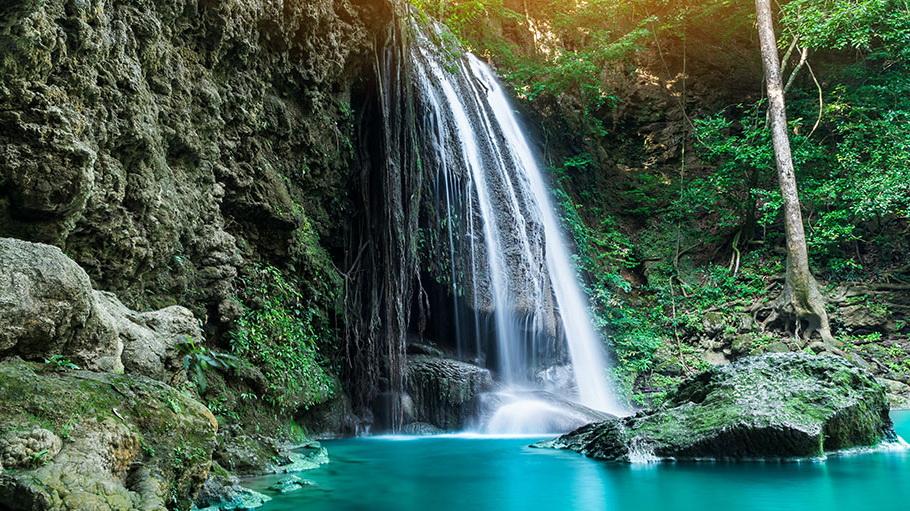 http://fotos.hellotrip.es/costa-rica/Costa_Rica_Arenal_Parque_Nacional_Volcan_Tenorio.jpg