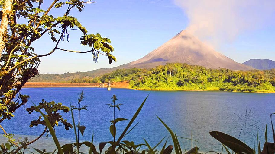 http://fotos.hellotrip.es/costa-rica/Costa_Rica_Arenal_Parque_Nacional_Volcan_Tenorio_2.jpg
