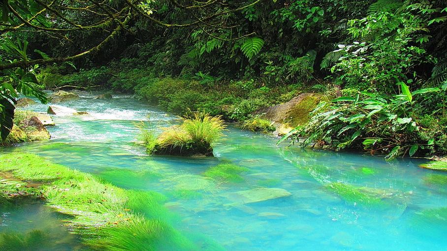 http://fotos.hellotrip.es/costa-rica/Costa_Rica_Arenal_Rio_Celeste.jpg