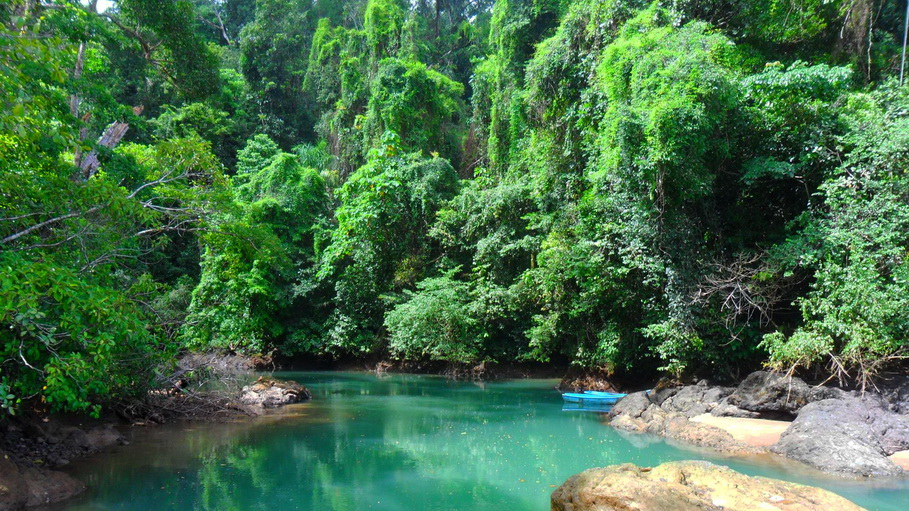 http://fotos.hellotrip.es/costa-rica/Costa_Rica_Bahia_Drake.jpg