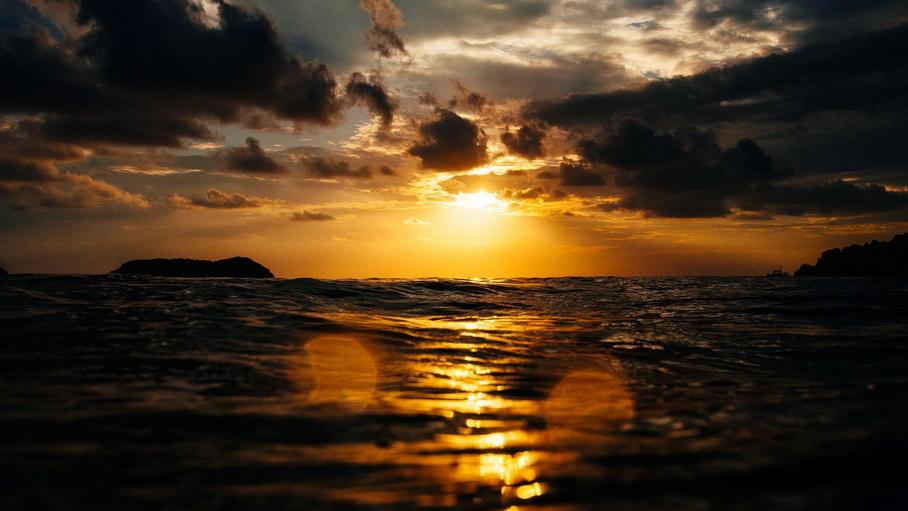 http://fotos.hellotrip.es/costa-rica/Costa_Rica_Manuel_Antonio_playa_2.jpg