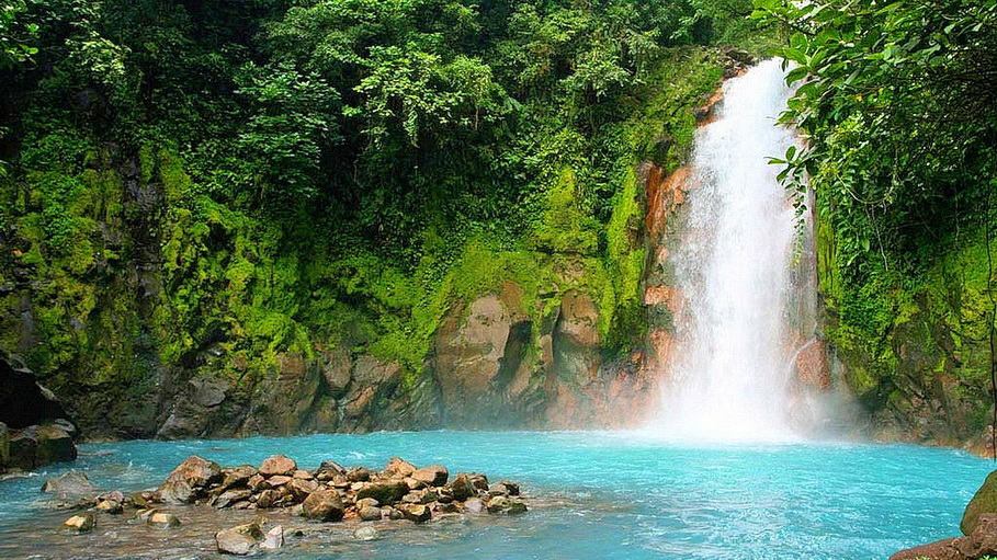 http://fotos.hellotrip.es/costa-rica/Costa_Rica_Rincon_de_la_Vieja_laguna_cascada.jpg