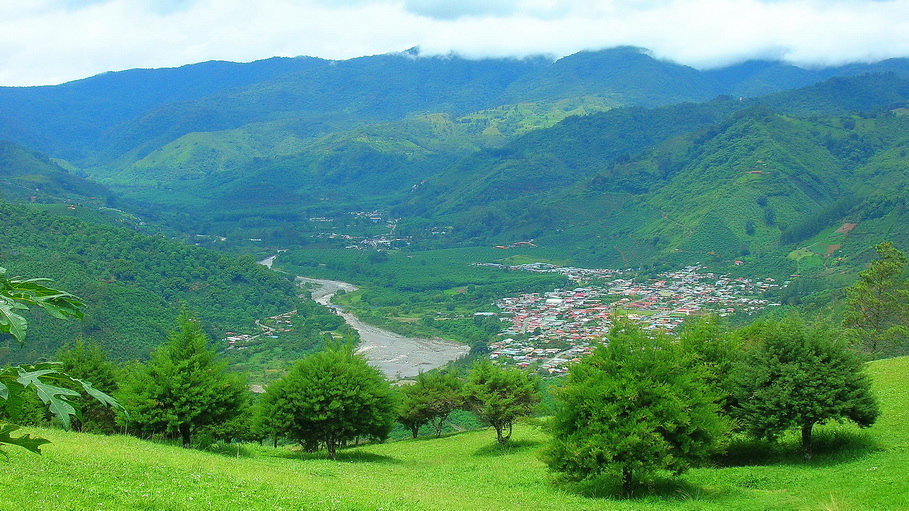 https://fotos.hellotrip.es/costa-rica/Costa_Rica_San_Jose_alrededores.jpg
