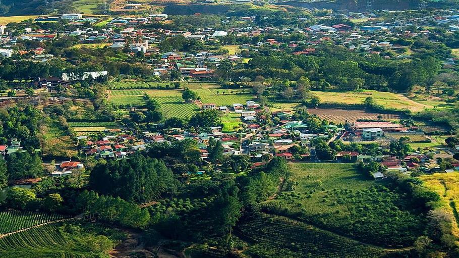 http://fotos.hellotrip.es/costa-rica/Costa_Rica_San_Jose_panoramica.jpg