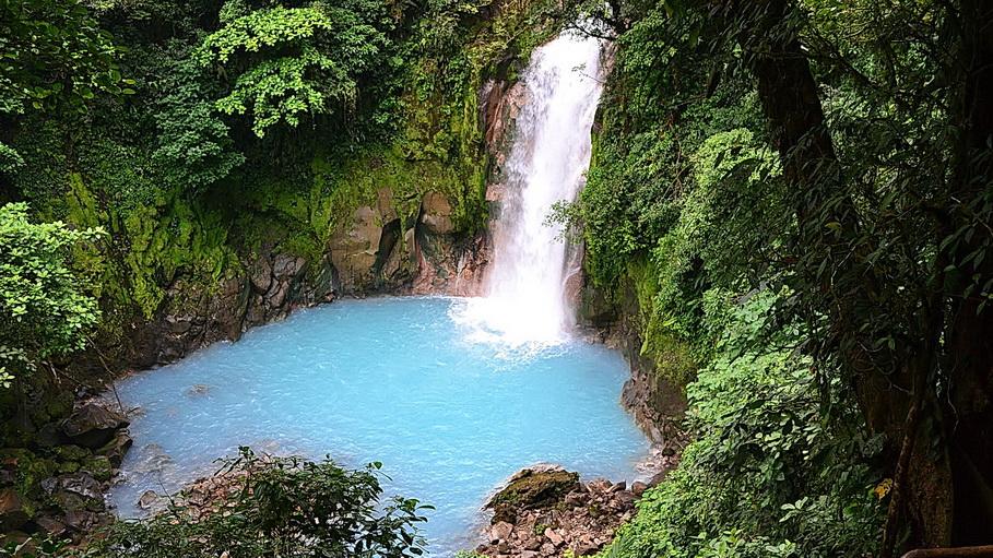 http://fotos.hellotrip.es/costa-rica/Costa_Rica_San_Jose_volcan_Tenorio.jpg