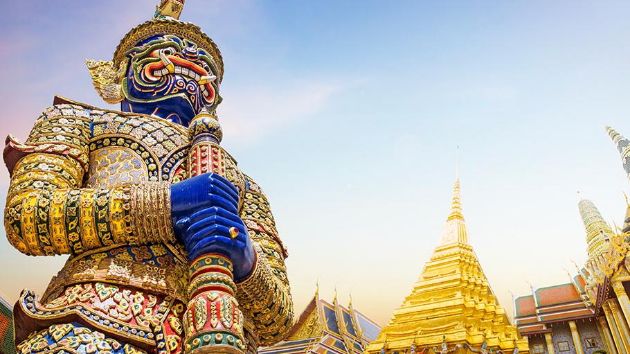 http://fotos.hellotrip.es/tailandia/Tailandia_Bangkok_Wat-Pra_Keaw_Palacio_Real_2.jpg