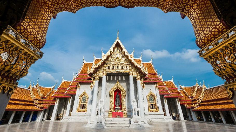 http://fotos.hellotrip.es/tailandia/Tailandia_Bangkok_templo_Wat_Benchamabophit.jpg