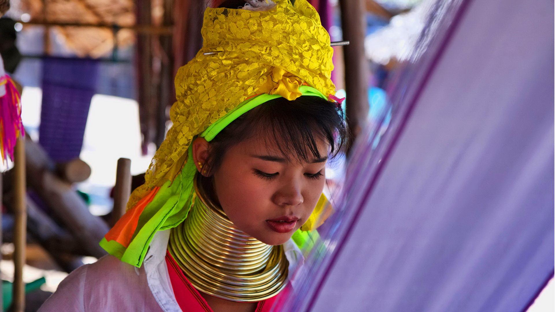 https://fotos.hellotrip.es/tailandia/Tailandia_Chiang_Rai_Mae_Hong_Son_mujeres_jirafa.jpg