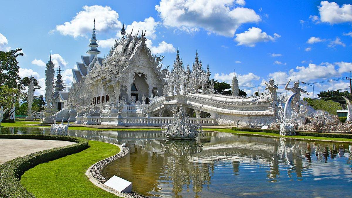 https://fotos.hellotrip.es/tailandia/Tailandia_Chiang_Rai_Templo_Blanco.jpg