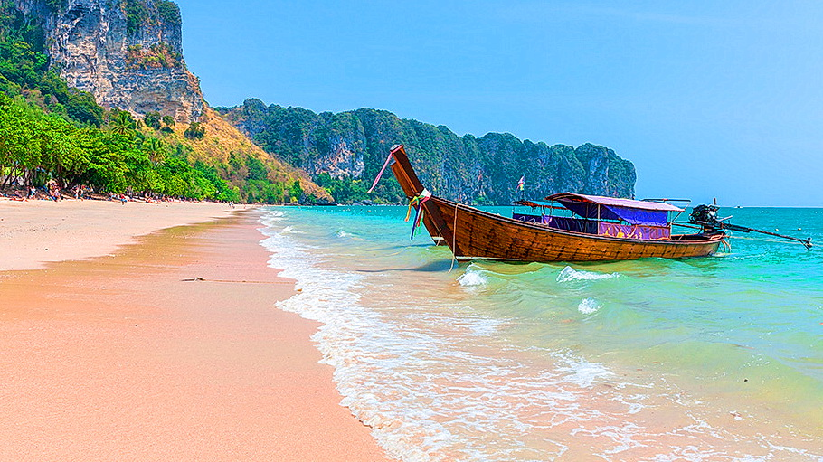 http://fotos.hellotrip.es/tailandia/Tailandia_Krabi_orilla_playa.jpg