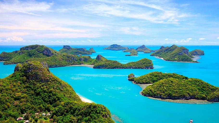 http://fotos.hellotrip.es/tailandia/Tailandia_Phuket_costa_montana.jpg