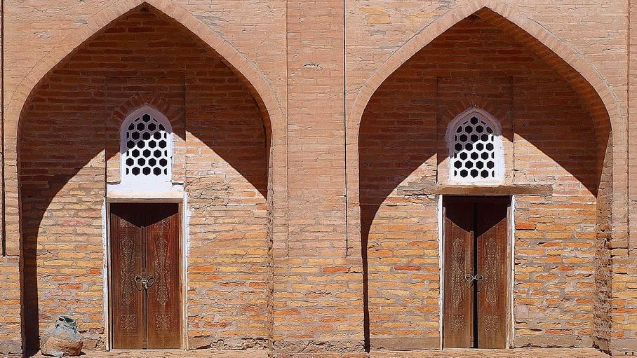 http://fotos.hellotrip.es/uzbekistan/Uzbekistan_Bujara_Complejo_Bahouddin_Naqshband.jpg