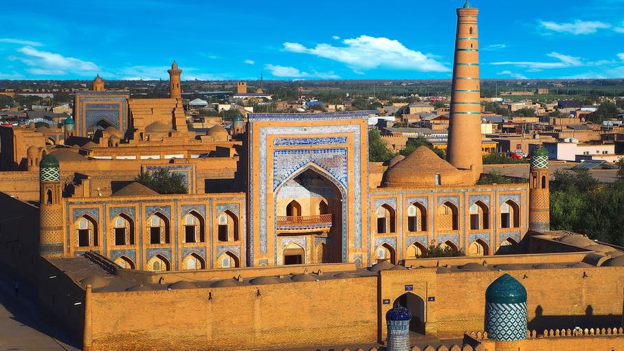 http://fotos.hellotrip.es/uzbekistan/Uzbekistan_Jiva_Ichan-Kala_3.jpg