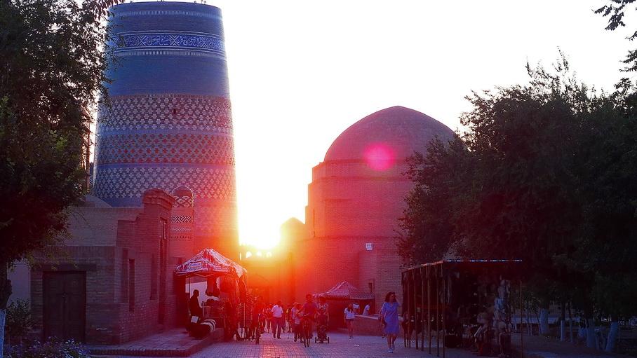http://fotos.hellotrip.es/uzbekistan/Uzbekistan_Jiva_Kalta_Minor.jpg