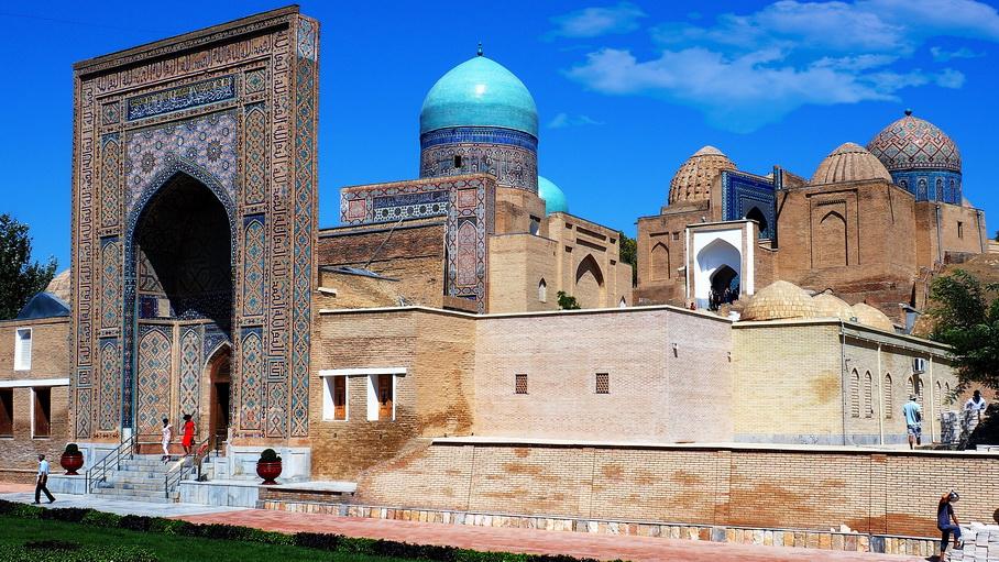 http://fotos.hellotrip.es/uzbekistan/Uzbekistan_Samarcanda_Complejo_Shakhi-Zinda.jpg