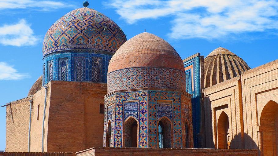 http://fotos.hellotrip.es/uzbekistan/Uzbekistan_Samarcanda_Complejo_Shakhi-Zinda_2.jpg
