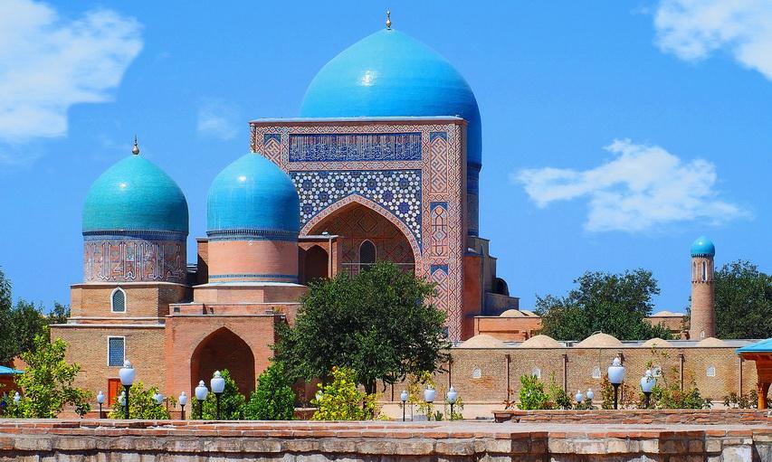http://fotos.hellotrip.es/uzbekistan/Uzbekistan_Shakhrisabz_Mezquita_Gumbaz_Saidon.jpg