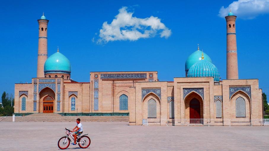 https://fotos.hellotrip.es/uzbekistan/Uzbekistan_Tashkent_Barak_Khan_2.jpg