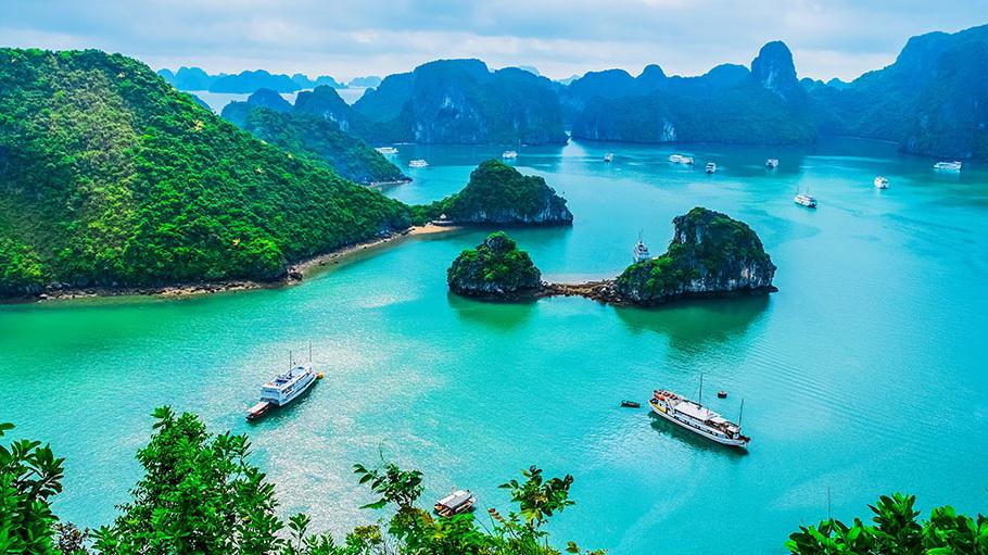 http://fotos.hellotrip.es/vietnam/Vietnam_Bahia_de_Halong.jpg