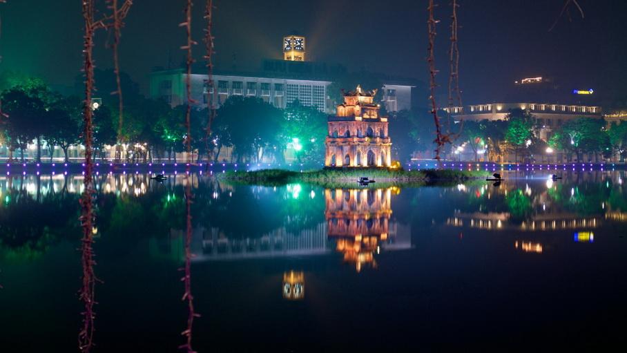 http://fotos.hellotrip.es/vietnam/Vietnam_Hanoi_parque_Ho_Hoan_Kiem.jpg