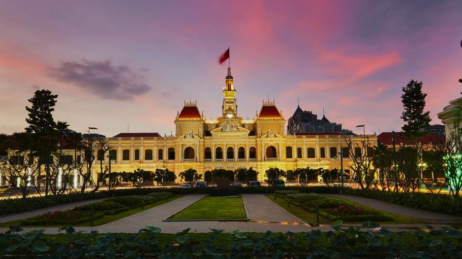 http://fotos.hellotrip.es/vietnam/Vietnam_Ho_Chi_Minh_ayuntamiento_Palacio_de_la_Reunificacion.jpg