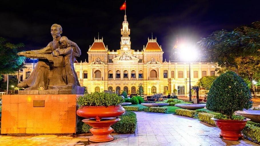 https://fotos.hellotrip.es/vietnam/Vietnam_Ho_Chin_Minh_Ayunyamiento.jpg