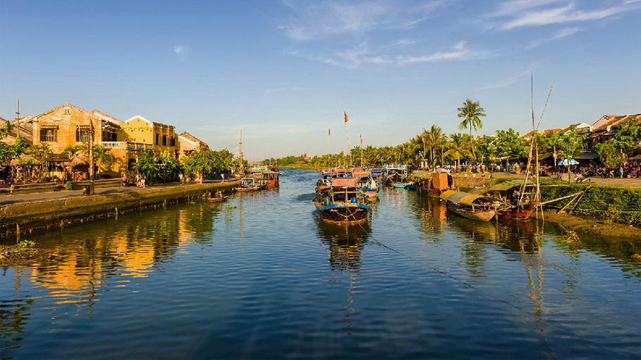 https://fotos.hellotrip.es/vietnam/Vietnam_Hoi_An_vista_rio.jpg