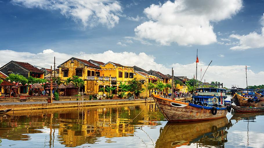 http://fotos.hellotrip.es/vietnam/Vietnam_Hoi_An_vistas_canal.jpg