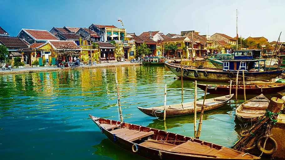 http://fotos.hellotrip.es/vietnam/Vietnam_Hoi_An_vistas_rio.jpg