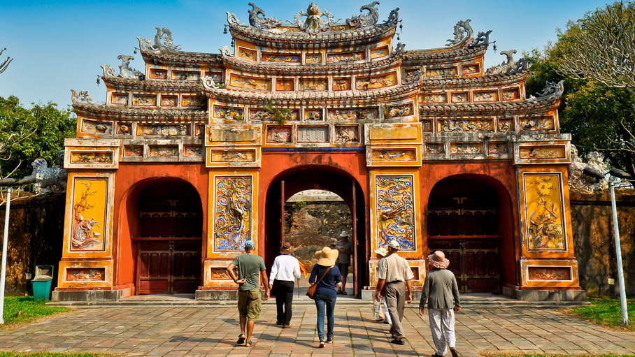 http://fotos.hellotrip.es/vietnam/Vietnam_Hue_puerta_Ciudadela_Imperial.jpg