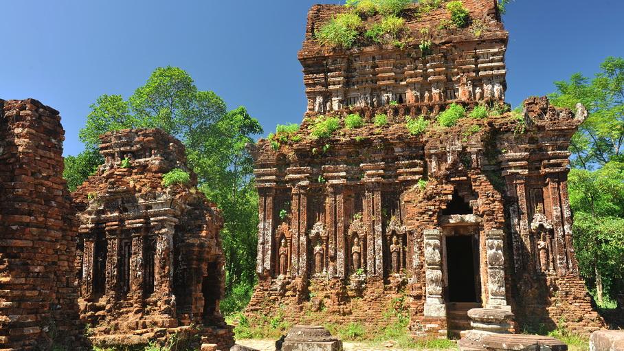 http://fotos.hellotrip.es/vietnam/Vietnam_My_Son_ruinas_Champa.jpg