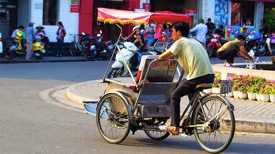 http://fotos.hellotrip.es/vietnam/Vietnam_Nha_Trang_triciclo.jpg
