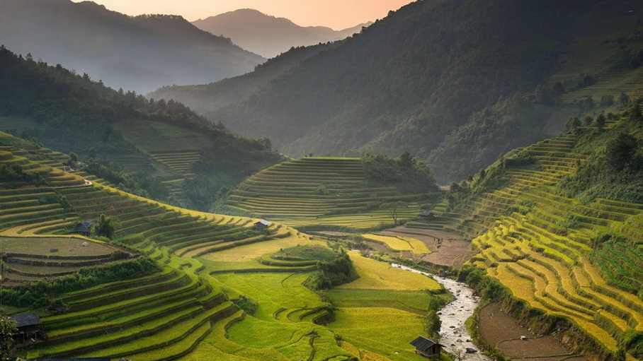http://fotos.hellotrip.es/vietnam/Vietnam_Sa_Pa_Muong_Ho.jpg