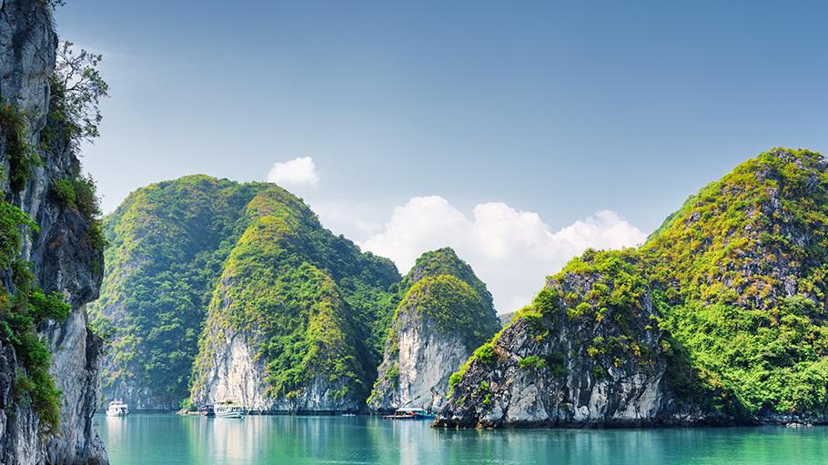 http://fotos.hellotrip.es/vietnam/Vietnam_Tonkin_Bahia_Halong.jpg