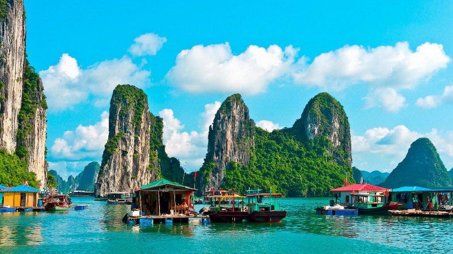 http://fotos.hellotrip.es/vietnam/Vietnam_islas_Bahia_Halong.jpg